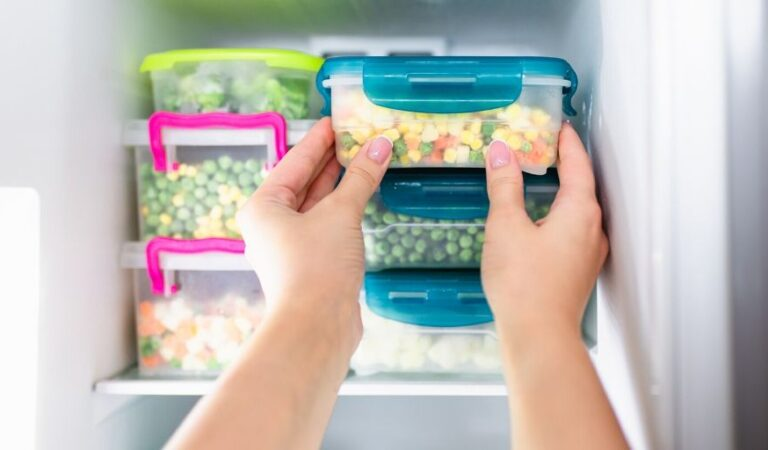 أسباب تدفعك لشراء الأطعمة المجمدة بدلاً من الأطعمة الطازجة